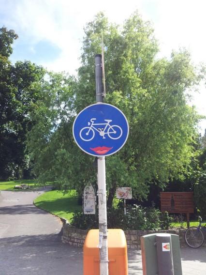 Berlin Verkehrszeichen Street Art